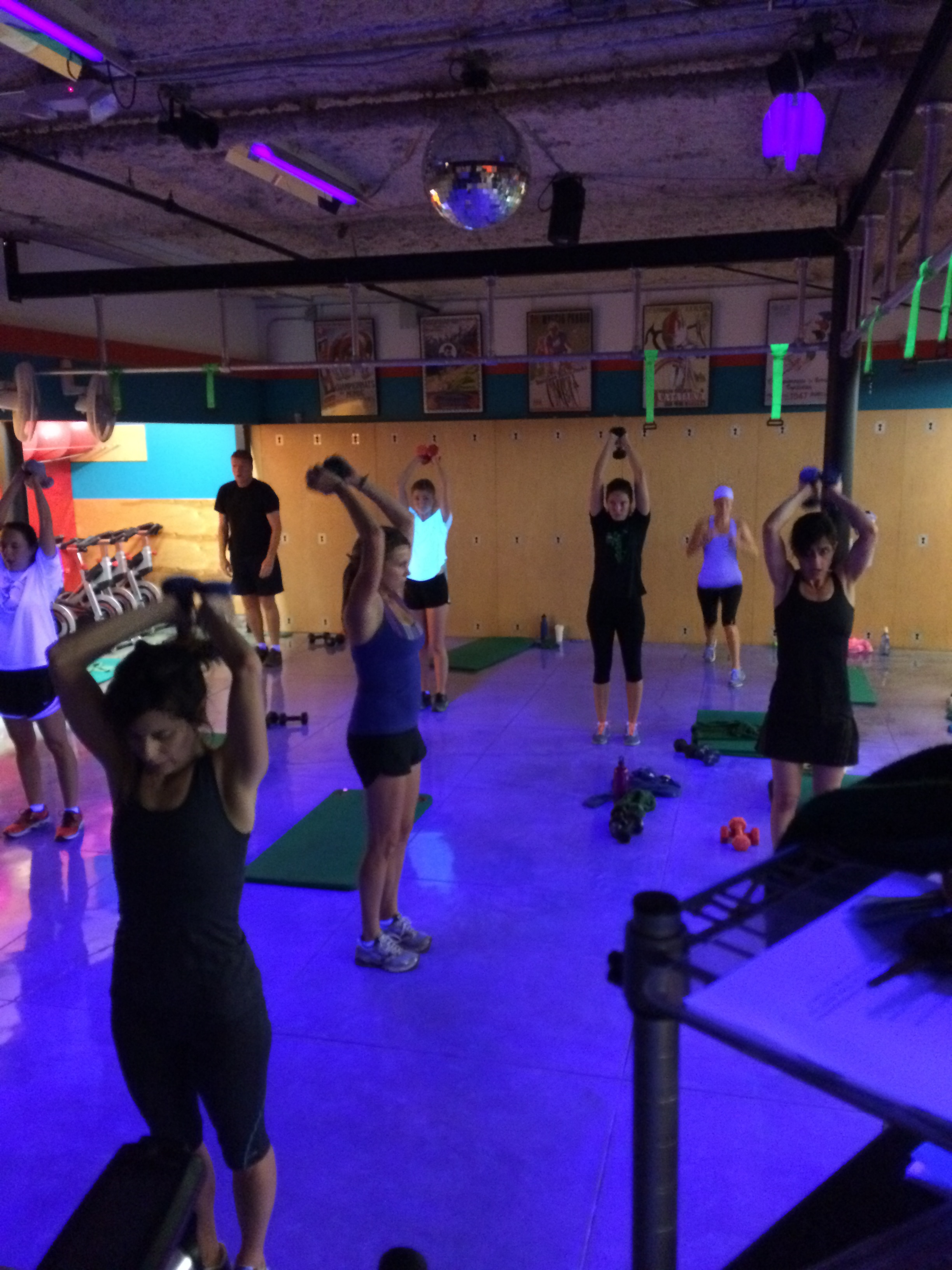 Group fitness class at Castle Hill Fitness Austin