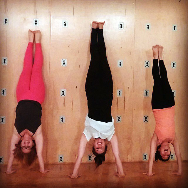 tracey whitney ashley handstand