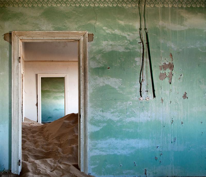 Indoor Desert by Alvaro Sanchez Montanes