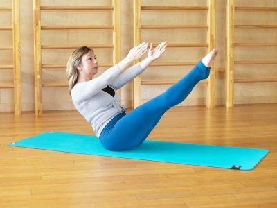 home pilates workout teaser b